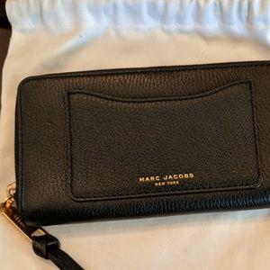 Marc Jacobs Recruit Wrist Purse / Wallet